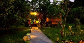 Location gite à pointe noire : cabane, moulin, roulotte