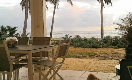 Villa La playa,  location saisonnière 3 chambres  les pieds dans l'eau à St François